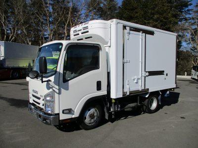 4WD 低温スタンバイ付き冷凍車です。